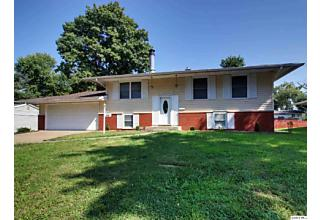 Photo of 3701 Meadow Dr Quincy, IL 62305