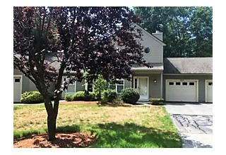 Photo of 303 Ridgefield Cir Clinton, Massachusetts 01510
