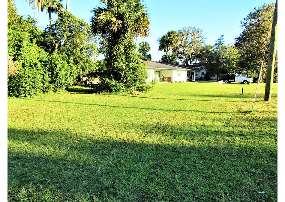 Photo of 766 3rd Ave Welaka, FL 32193