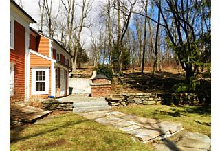 Photo of 809 North Quaker Hill Road Pawling, NY 12564