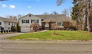 Photo of 60 Dorchester Road Scarsdale, NY 10583