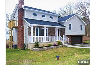 Photo of 16 Buena Vista Way Bloomingdale, NJ