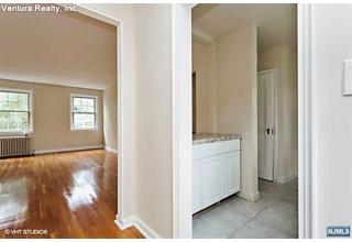 Photo of 132b Boyden Avenue Maplewood, NJ