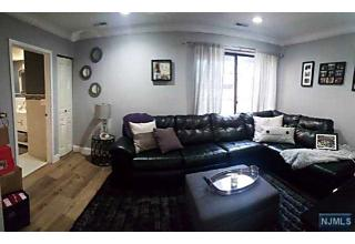 Photo of 8 Lawrence Court Teaneck, NJ