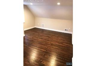 Photo of 20 Lindy Place Old Tappan, NJ