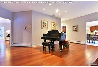 Photo of 771 Barnstable Lane Franklin Lakes, NJ