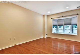 Photo of 14 South Independence Way Edgewater, NJ