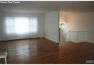 Photo of 293 Glen Court Teaneck, NJ