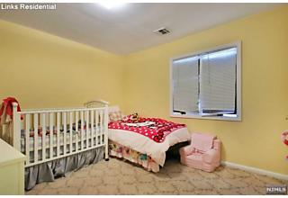 Photo of 114 Cameron Road Bergenfield, NJ