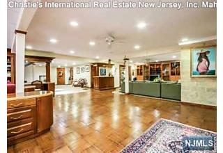 Photo of 5 Sunflower Drive Upper Saddle River, NJ