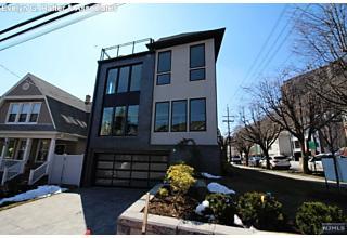 Photo of 38 Hilliard Avenue Edgewater, NJ
