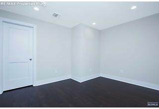 Photo of 88 Sussex Road Bergenfield, NJ