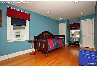 Photo of 326 Roosevelt Avenue Hasbrouck Heights, NJ