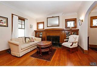 Photo of 44 Chapman Place Glen Ridge, NJ