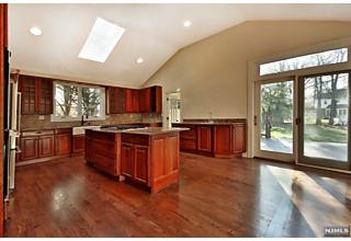 Photo of 1245 Sussex Road Teaneck, NJ