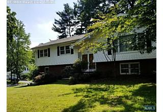 Photo of 445 Mildred Place Oradell, NJ