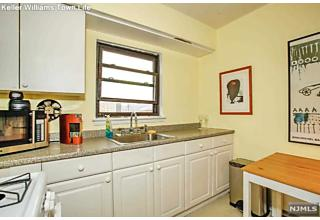 Photo of 2171b North Central Road Fort Lee, NJ