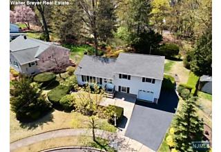 Photo of 263 Garden Place Oradell, NJ