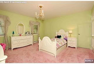 Photo of 12 Anderson Court Woodcliff Lake, NJ