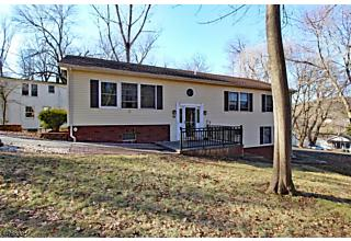 Photo of 66 Maple St Watchung, NJ 07069