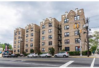 Photo of 2700 Kennedy Blvd Jersey City, NJ 07306