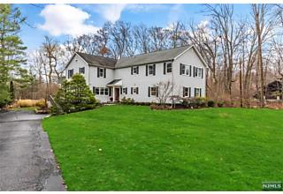 Photo of 14 Cottontail Trail Upper Saddle River, NJ 07458