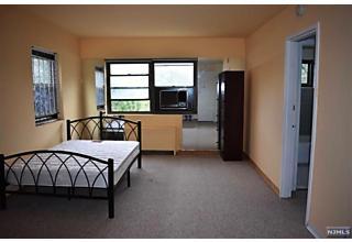 Photo of 421 Park Place, Unit #5h Fort Lee, NJ 07024